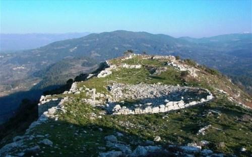 Αρχαία ακρόπολη Πλατιάνας