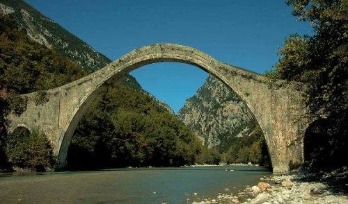 Άμεσα και χωρίς χρονοτριβή το έργο αναστήλωσης του γεφυριού της Πλάκας